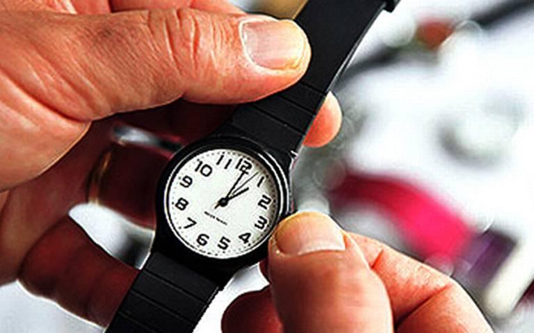Duda CI de los beneficios de atrasar el reloj una hora