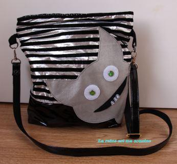 sac monstre gris