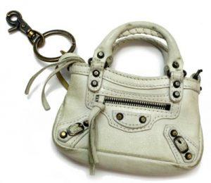 innovative design b04b1 f5560 高く売れるバレンシアガバッグ「ミニシティ・ミニファースト」