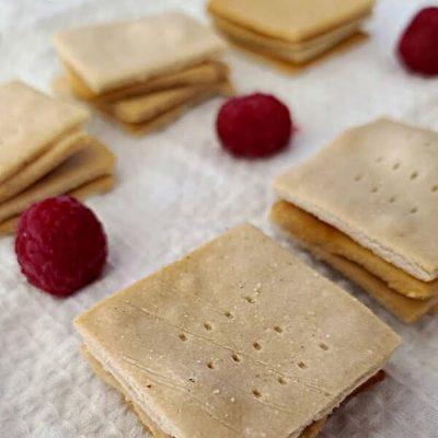 Gluten-Free Garlic Crackers