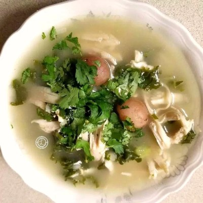 Keto Chicken and Kale Soup