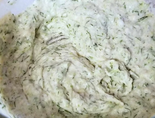 Cucumber sauce for dipping