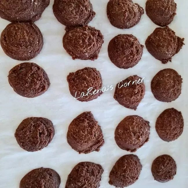 Gluten-Free Chocolate Mint Cookies on a cookie sheet