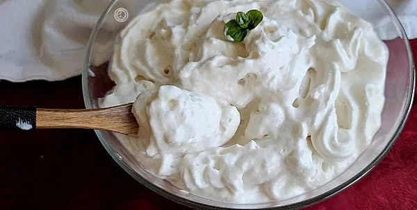 Thick Fluffy Coconut Whipped Cream