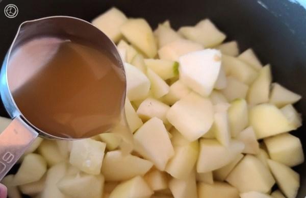 Adding Apple Juice to Gluten-Free Stovetop Cinnamon Apples