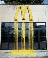 Liquidated Logo - McDonald's- Paris, 2000