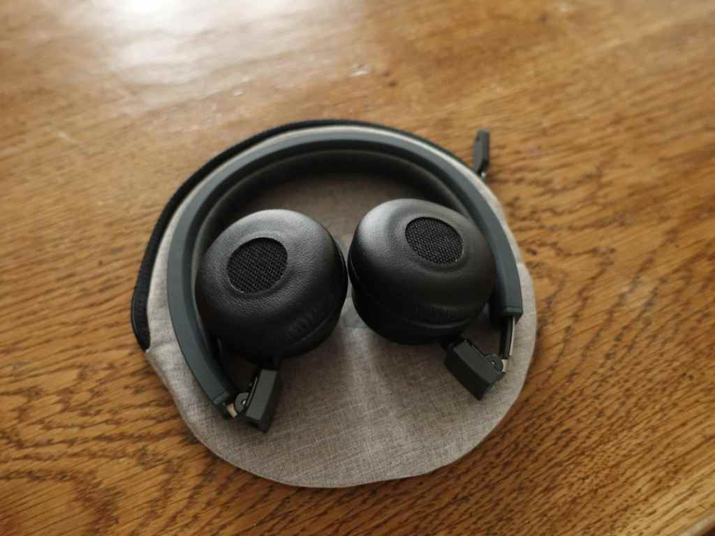 AKG Y45 BT casque bluetooth wireless La Revue Tech Test Review Prise en main Hands on