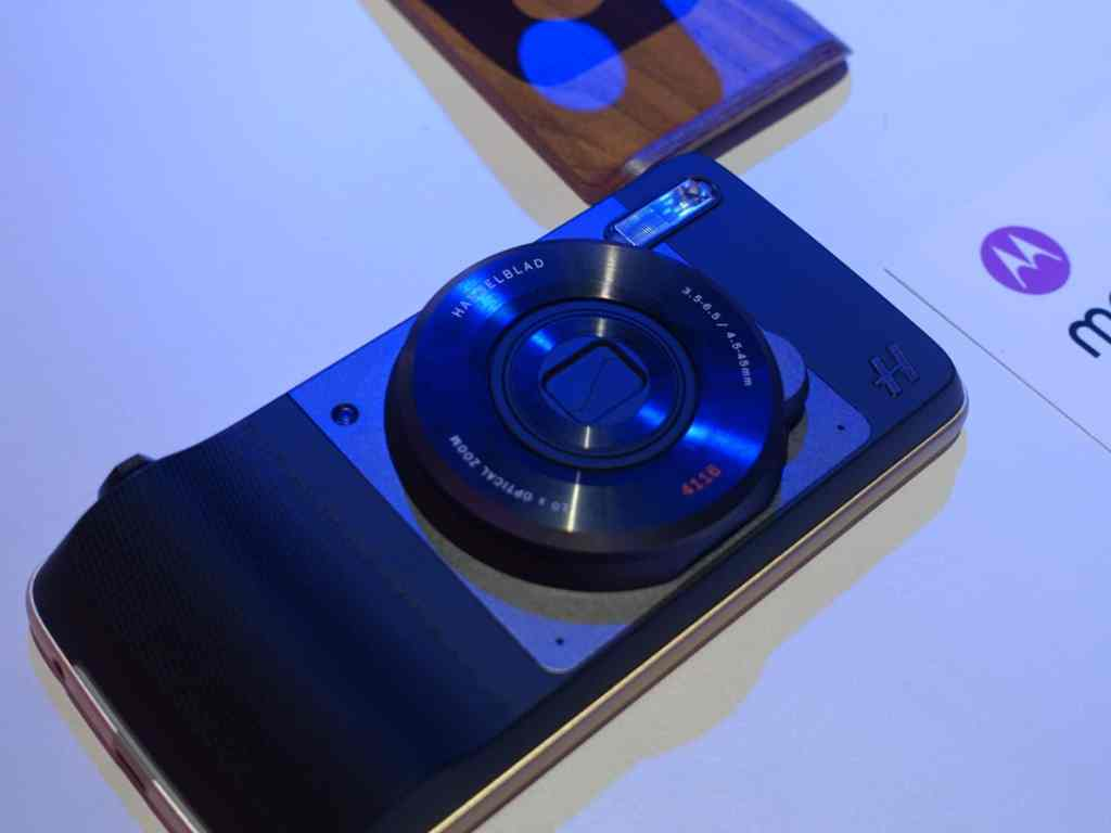 lenovo motorola hasselblad moto mods true zoom optique 10 x fois z force play prise en main test hands on review la revue tech