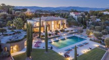 6 luxury villas and chalets