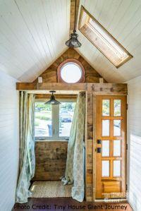 tiny-house-door-0009