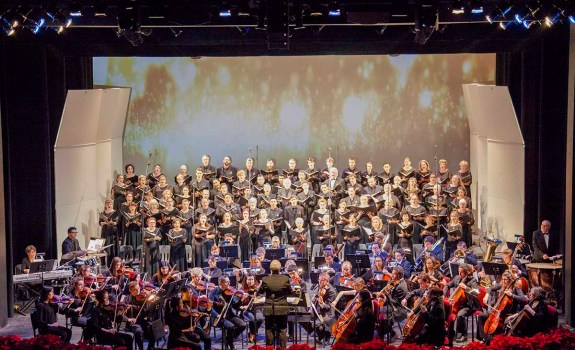 Both the Saddleback Choir and Symphony performing together during the opening piece of A Feast of Lights. (Ally Beckwitt/Lariat)