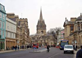 A captured moment of the busy streets in Oxford, England. (CameliaTWU through Flickr)