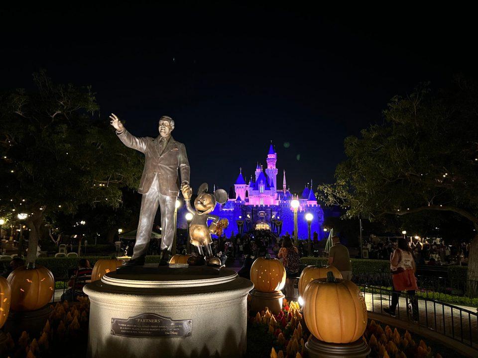 "The ""Partners"" statue on Main Street USA at Disneyland Park"
