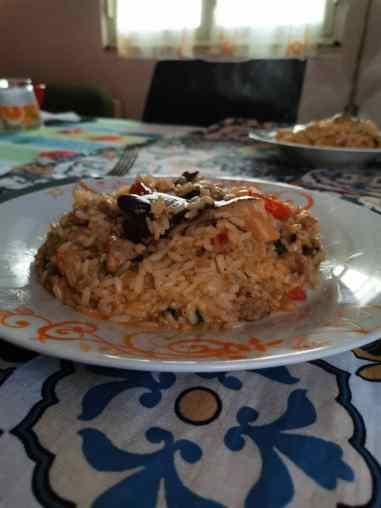 risotto integrale ai funghi nel piatto