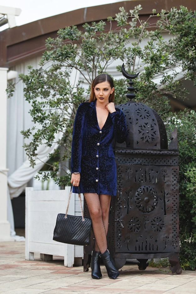 larisa costea, larisa costea blog, the mysterious girl, the mysterious girl blog, fashion blog, blogger, fashion, fashionista, it girl, travel blog, travel, traveler, ootd, lotd, outfit inspiration,look of the day,outfit of the day,what to wear, anna cori,anna cori shoes,denis shoes,romanian shoes, pantofi romanesti, annacori,botine,ankle boots, botine imblanite, black boots, fishnet tights, calzedonia, calzedonia tights, dres plasa, diva charms,velvet dress, starry night dress, rochie catigea, blazer dress, dark blue, glitter, wet look, hair, wet look hair, romano palace, hotel catania, catania, sicily, travel blogger, fashion blogger in sicily, larisainsicily, larisaincatania,larisainitaly, black bag, quilted bag, gold chain bag, nye look,tinuta de revelion,nye 2017, first nye look proposal,nye outfit