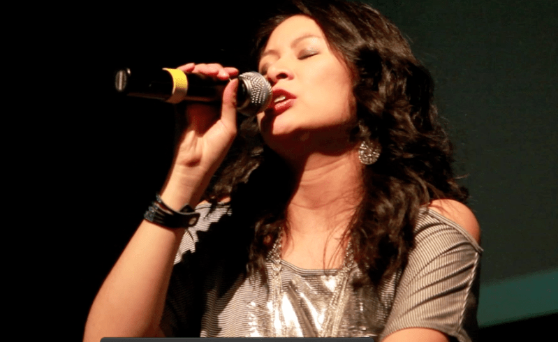 Larissa Lam singing live
