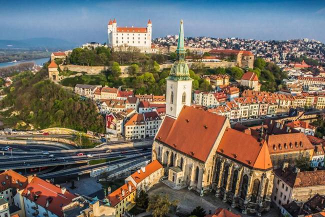 учиться в словакию