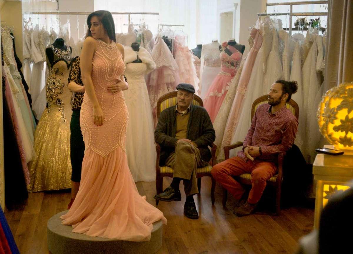Wajib, il film che racconta con ironia il quotidiano in Palestina