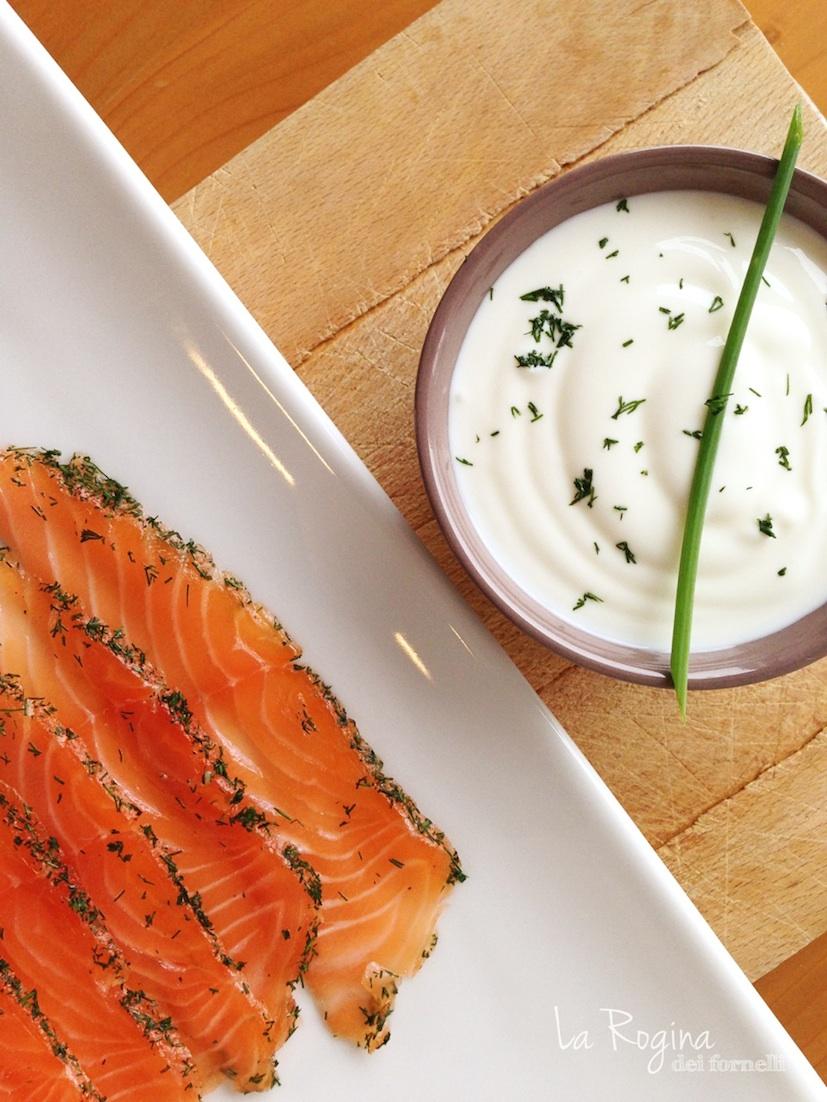 salmone-marinato-con-salsa-allo-yogurt2