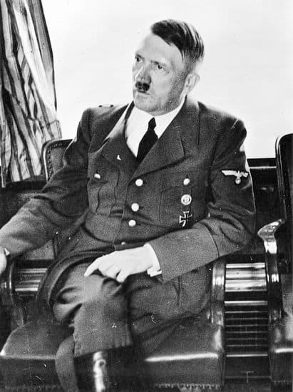 Adolf Hitler Date Et Lieu De Décès : adolf, hitler, décès, Adolf, Hitler, LAROUSSE