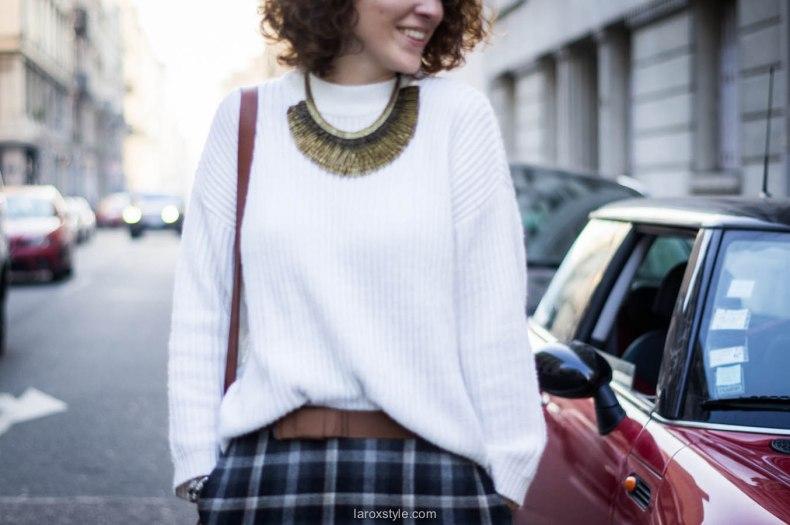Scottish skirt outftit & pegasus jewelry - French Fashion Blog Lyon (20 sur 28).jpg