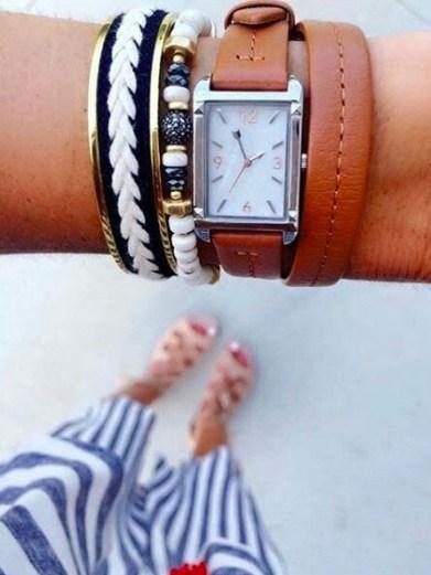 Bracelet illuminate associé