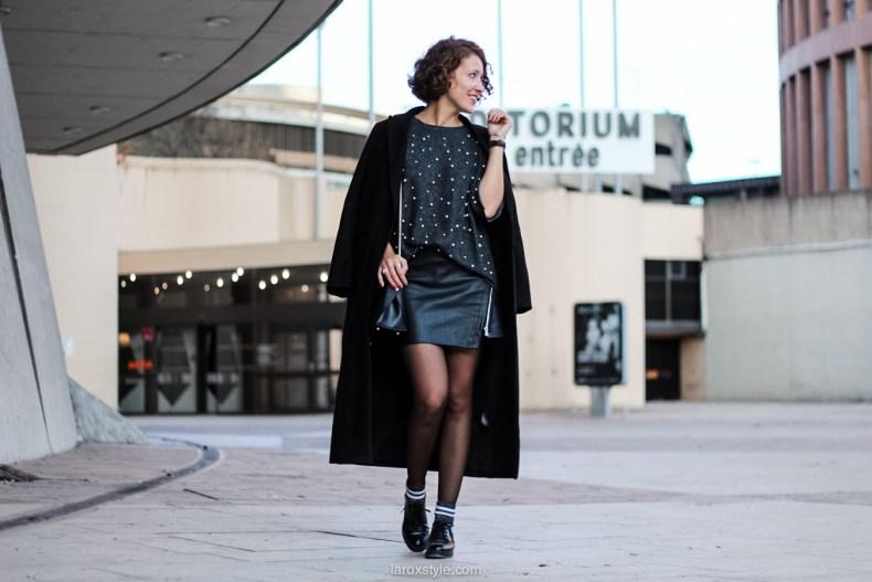laroxstyle - blog mode lyon - look pull perles - look jupe simili cuir -10