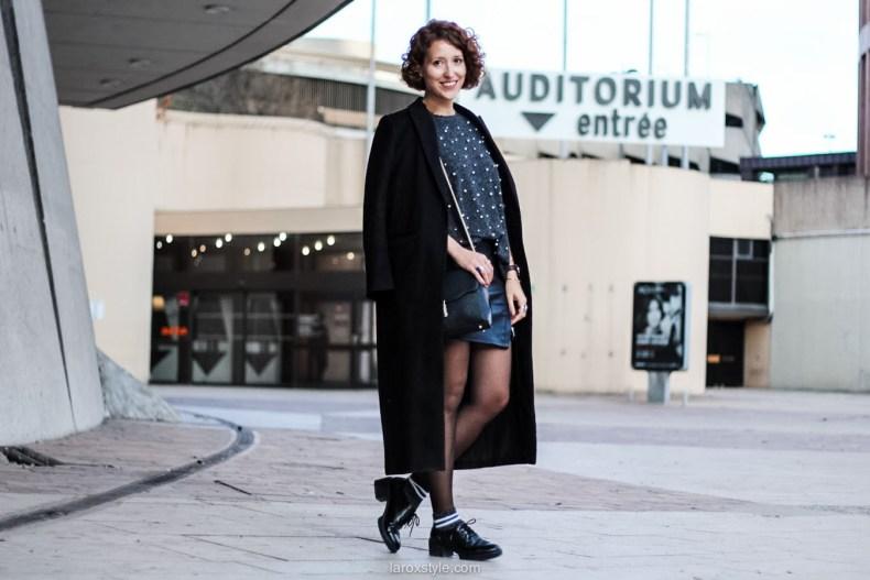 laroxstyle - blog mode lyon - look pull perles - look jupe simili cuir -11