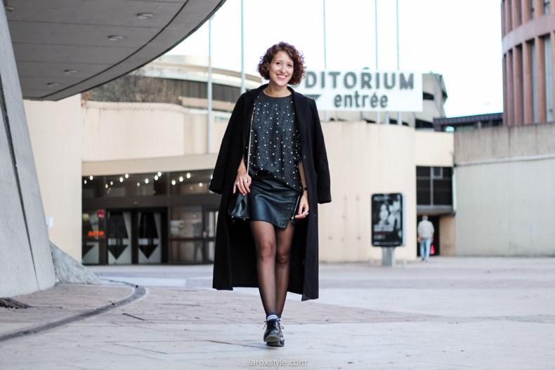 laroxstyle - blog mode lyon - look pull perles - look jupe simili cuir -9
