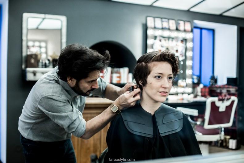 coupe courte cheveux boucles - coiffeur la loge lyon - blog laroxstyle -21