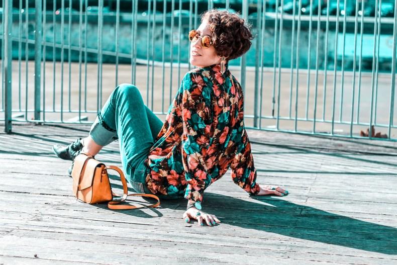look chemise a fleurs - look rock - jean 7 8 - boots clous - blog mode lyon-24