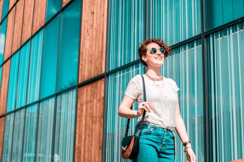 pimper une tenue basique - jean a franges - top dentelles - blog mode lyon - laroxstyle-12
