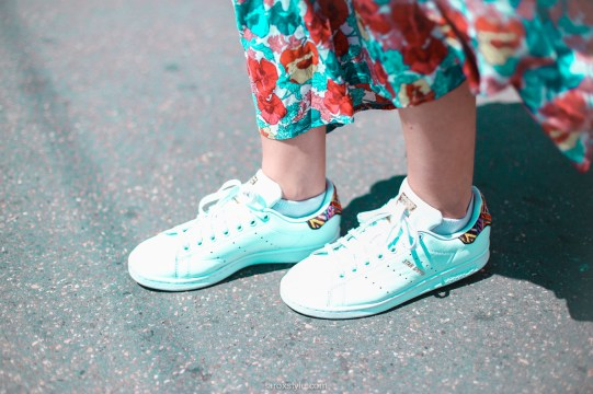 look festival - robe longue fleurie - stan smith - nuits sonores day 1 -4