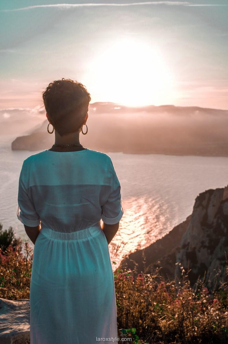 voyage à la ciotat route des cretes - robe blanche - blog mode voyage