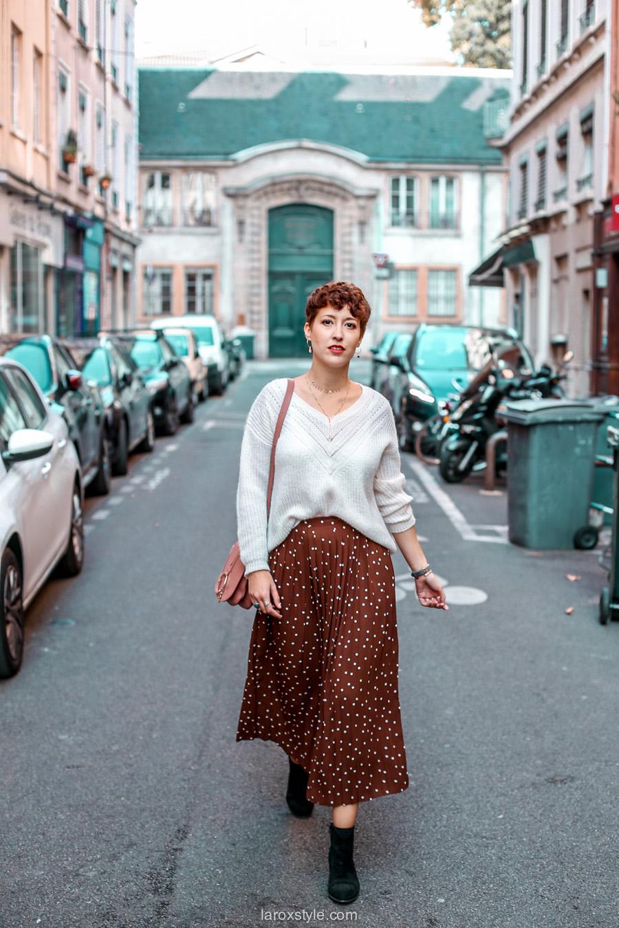 Look Bohème : Jupe longue & Gros Pull ! • LaRoxStyle