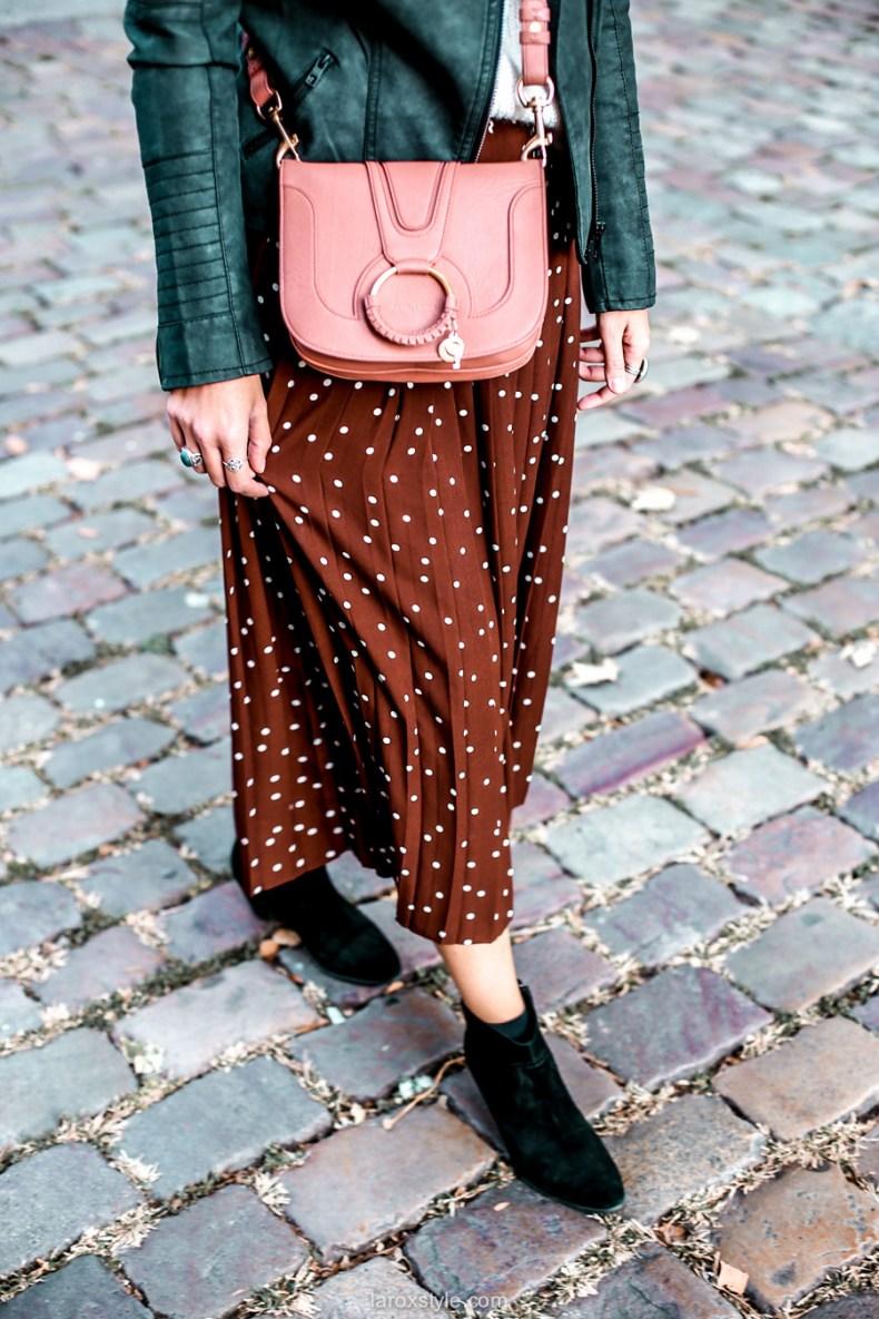 Idee look blog mode jupe longue plissee et gros pull
