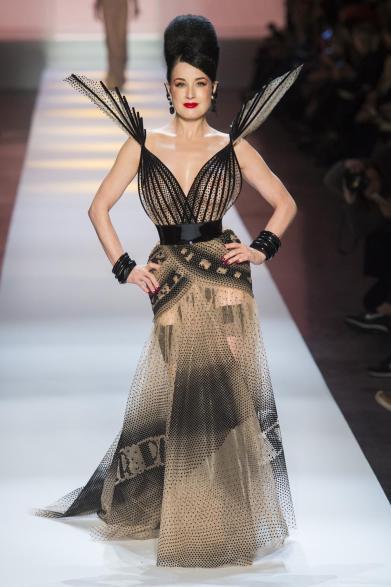 blog retour sur la paris fashion week haute couture - defile jean paul gaultier printemps ete 2019 - look-53