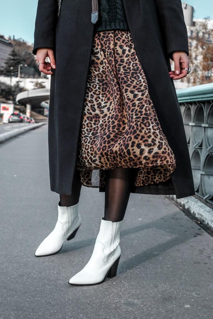... comment porter une robe d ete leopard en hiver. Toujours plus de looks  sur ce blog toutes les semaines et sur instagram au quotidien. 47d96e2adbb
