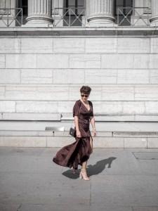 quelles tenues pour une invitee a un mariage - robe longue echancree - blog mode