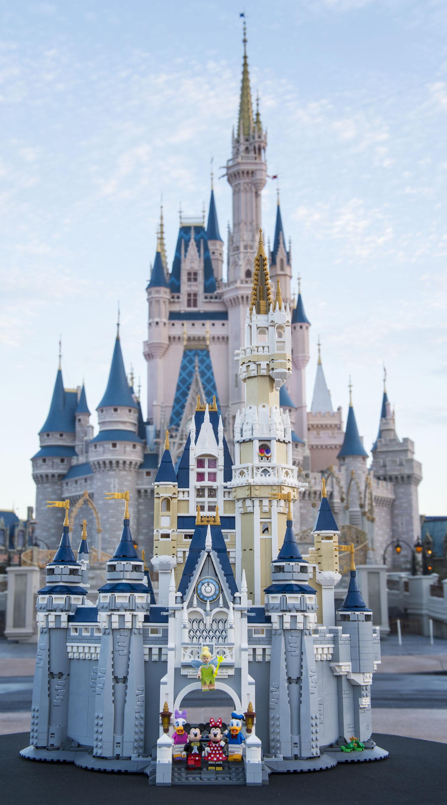 Cute Pink Paris Wallpaper Lego To Release The Disney Castle Set On September 1 2016