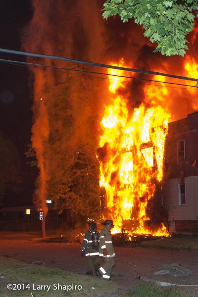 massive dwelling fire in Detroit