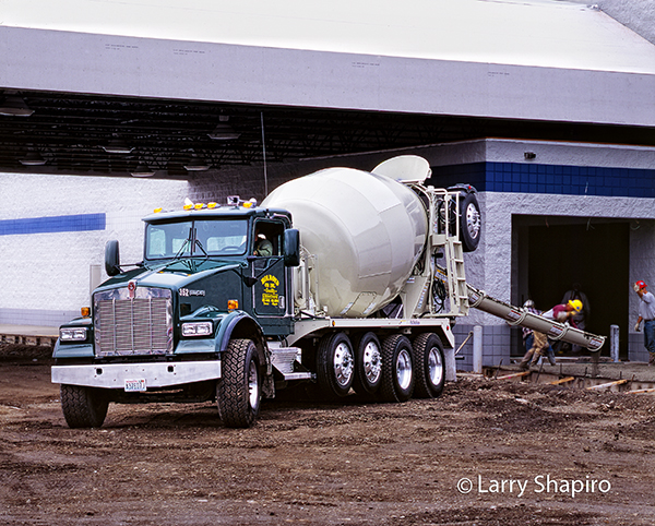 Kenworth cement mixer at work
