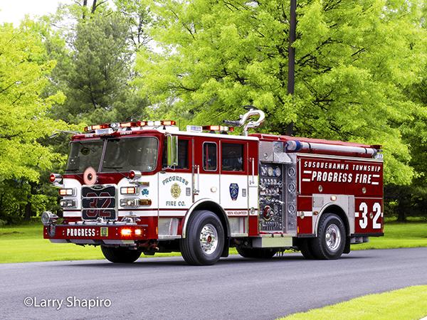 Pierce Arrow XT fire engine