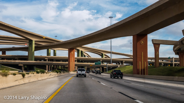 expanisve interchange of bridges in Dallas
