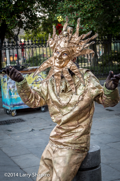 costumed performer in The French Quarter in New Orleans