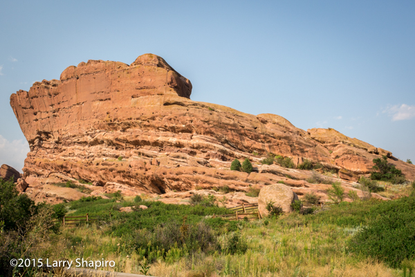 Red rock formations at the Red Rocks Park