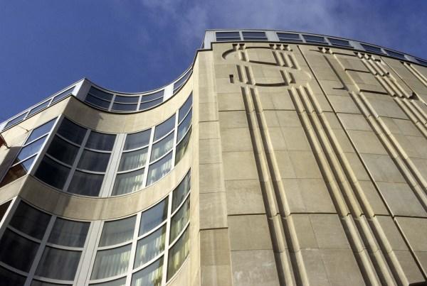 Seattle Art Museum - Larry Speck