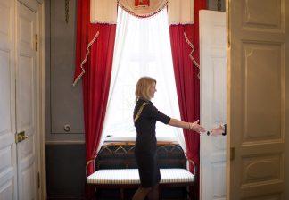 Christine Sagen Helgø hilser