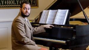 lars at piano