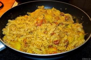 Pasta med kabanosse o zucchini